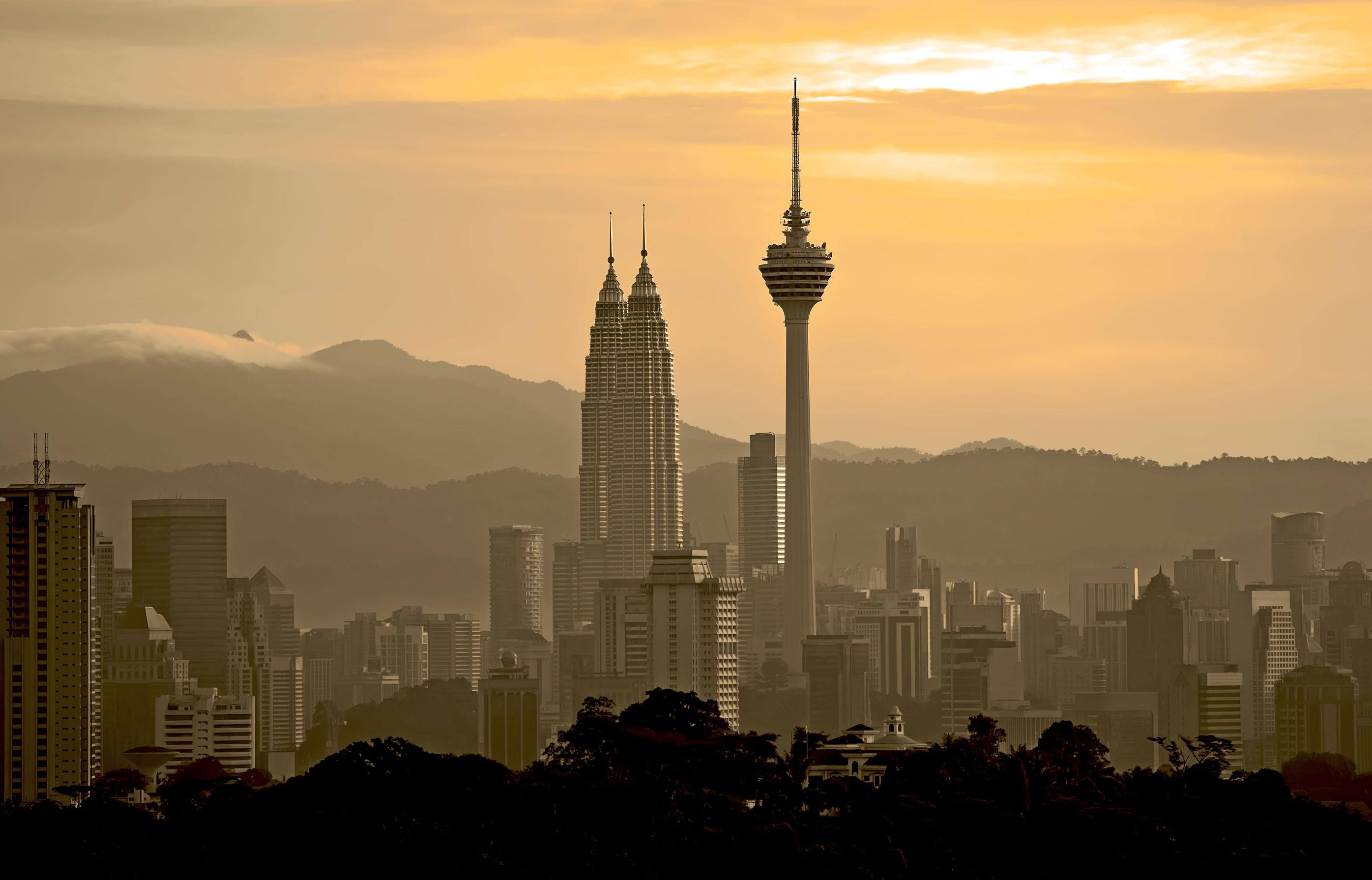 Malaysia twin tower hazy view