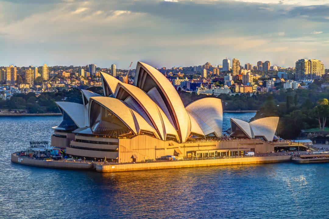 Opera house sydney pic